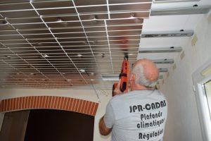 plafond chaufant en rénovation. pose de l'isolant