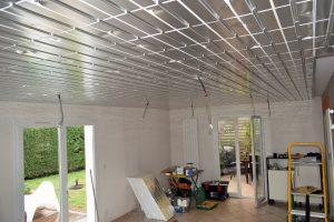 plafond chaufant en rénovation. pose de l'isolant en polystyrène aluminisé