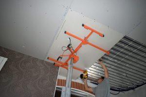 pose de placo sur plafond chauffant en rénovation